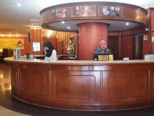 Kerja -kerja Hiasan Dalaman Lobi Hotel,Putra Palace [PenHotel ],Perlis Darul Kayangan