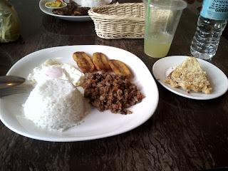 Lunch at El Ideal in Silay City