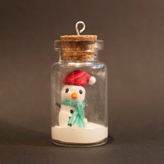 Snowman in a jar by welaughindoors