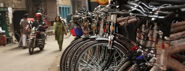 Aparcamiento de bicicletas en Katmandú, en Nepal.Banco Mundial/Simone D. McCourtie