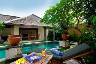 villa dengan kolam renang