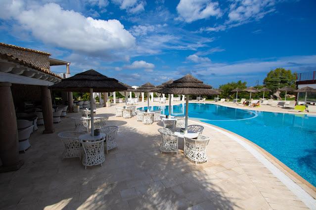 Villas resort hotel-Zona piscina e bar
