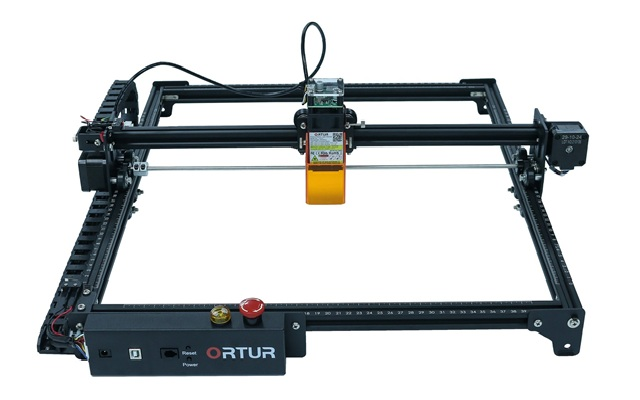 Ortur Laser Master 2 Pro: grabadora y cortadora laser de bajo costo, fácil montaje y área de grabado de 400 x 400 mm