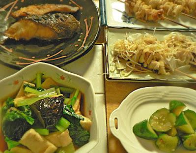 今日の夕食 ギンダラ照り焼き 小松菜煮びたし 焼き鳥2種 キュウリお新香