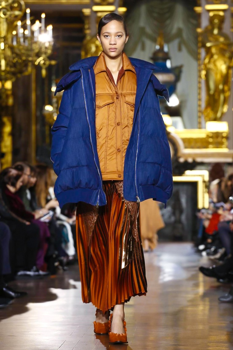 stella-mccartney-fall-winter-2016-2017-collection-paris-fashion-week, stella-mccartney-fall-winter-201-2017, stella-mccartney-fall-winter-2016, stella-mccartney-fall-winter-2016-2017, stella-mccartney-fall-winter-2017, stella-mccartney-fall-winter, stella-mccartney-fall, stella-mccartney-fall-2016-2017, stella-mccartney-fall-2016, stella-mccartney-fall-2017, stella-mccartney-paris, stella-mccartney-chaussures, paris-fashion-week-2016, du-dessin-aux-podiums, dudessinauxpodiums