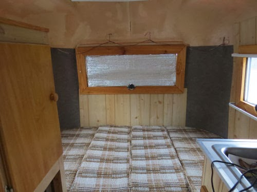 travel trailer bed