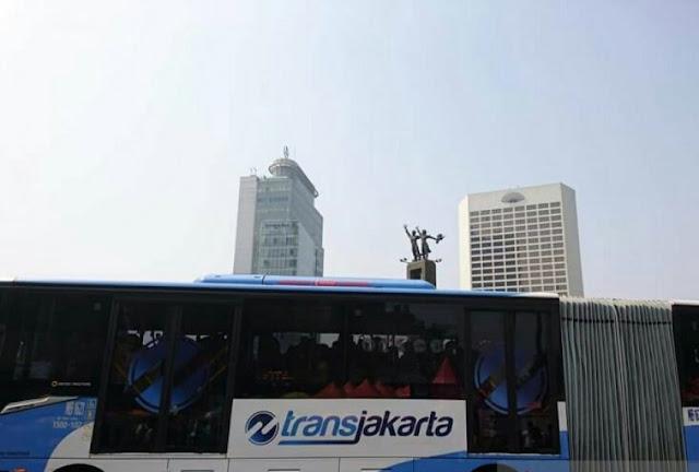 Tayangkan Video Vulgar, TransJakarta Berhentikan Sementara PPD
