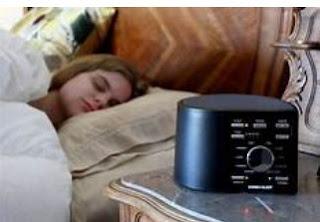 백색 잡음 기계는 어떻게 당신이 잠을 도움이 됩니까?