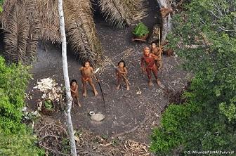 Poblado indígena en el Amazonas.