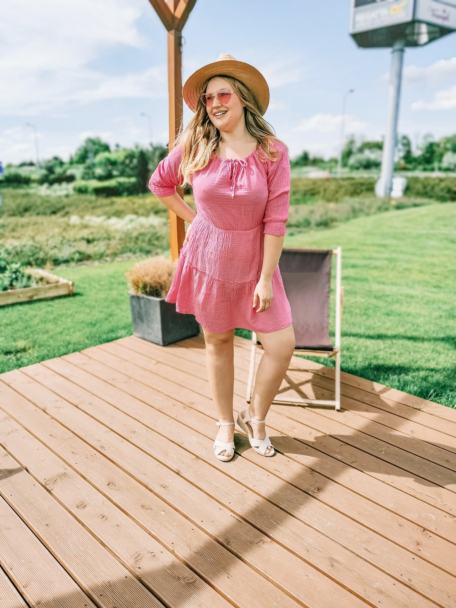 sukienka_kapelusz_stylizacja_letnia.jpg