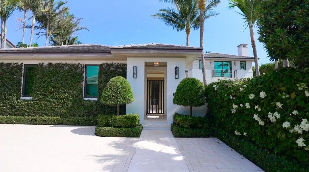 19 Interior Design Photos vs. 325 Garden Rd, Palm Beach, FL Ultra Luxury Home Tour