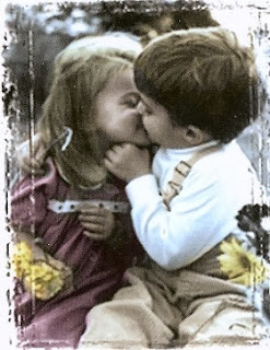 Boy kissing girl in love kids - Romantic shayari
