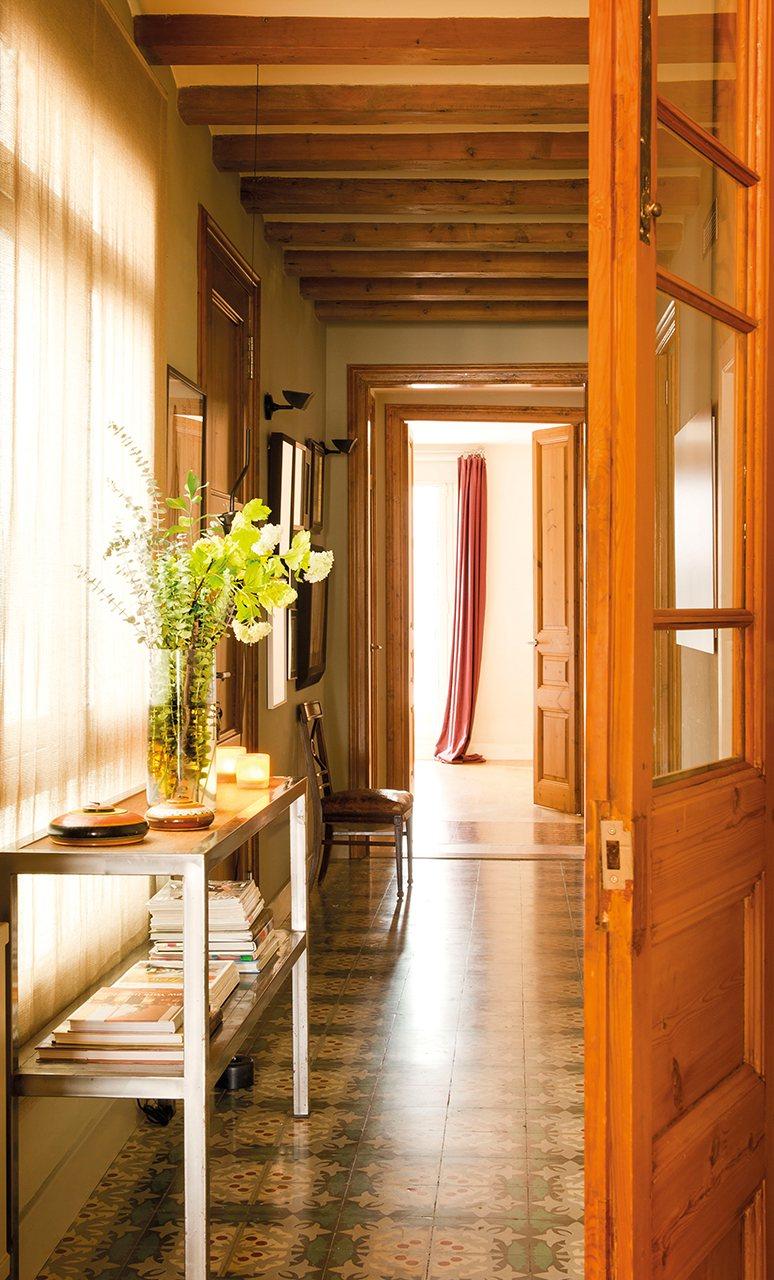Las cositas de beach eau tras las puertas de madera for Puertas casa madera