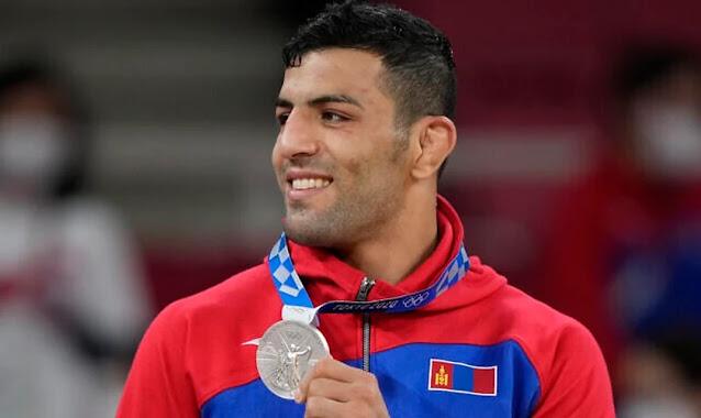 Desertor do judô irariano dedica medalha de prata à Israel nos Jogos Olímpicos