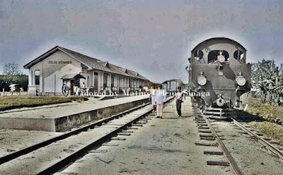 lokomotif di stasiun kereta api deli spoorweg maatschappij dsm dolok merangir simalungun