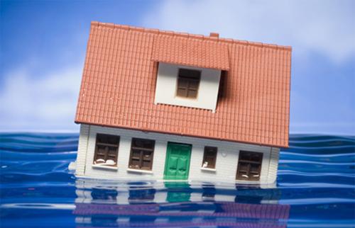 menyelamatkan furnitur terkena banjir