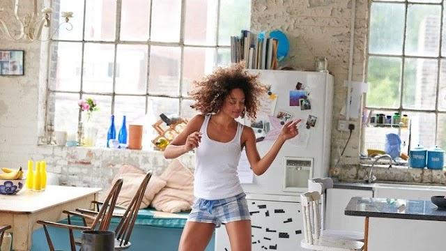 Cinco exercícios obrigatórios para aliviar o stress do confinamento