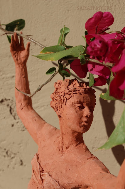 sculpture, terracotta, kneeling, woman, sarah, myers, red, clay, dance, figure, arte, escultura, figurative, classic, human, lady, poise, earthenware, orange, flowers, detail, face, head, small, close-up