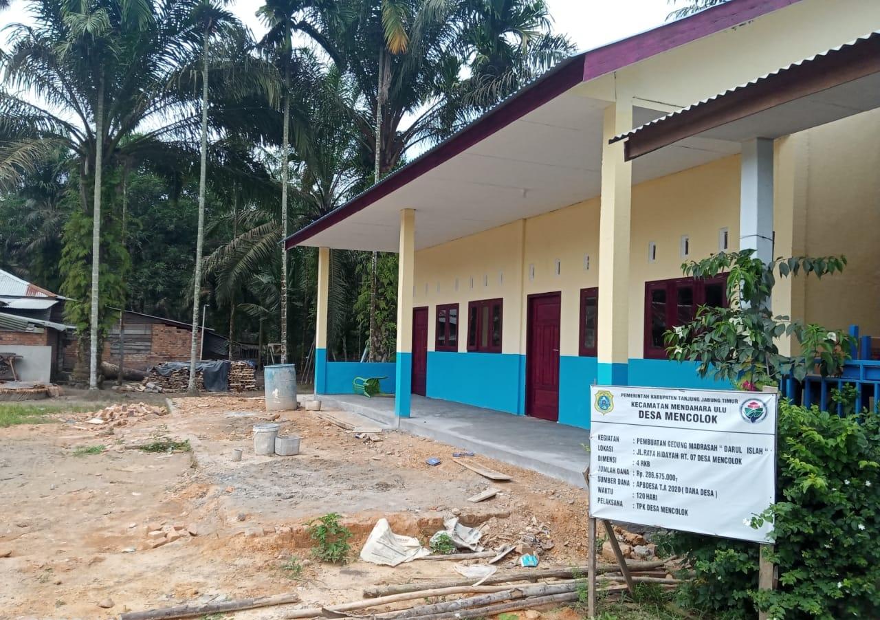 6 Item Pembangunan di Desa Mencolok Dana Desa TA 2020