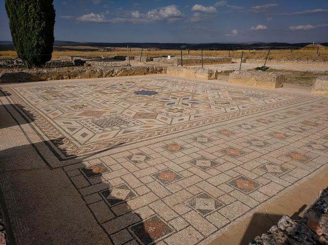 Mosaicos de la Casa número 1 de Clunia