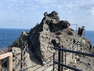 石廊崎突端の岩