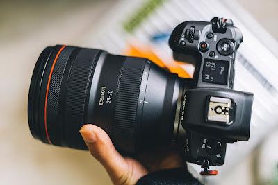 Lensa Canon RF