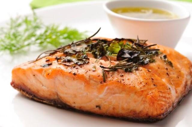 Óleos de peixe e óleos ômega-3 podem beneficiar a nossa saúde?