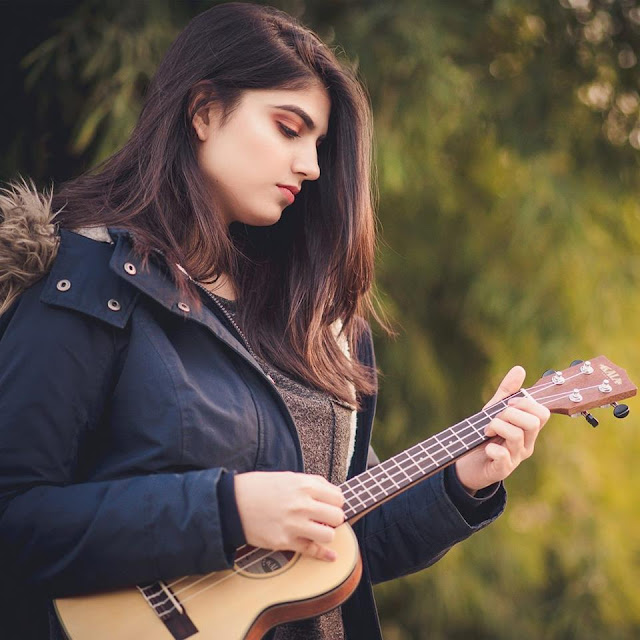 Sanya Shahzad is a Pakistani Singer, Songwriter, and Instrumentalist.