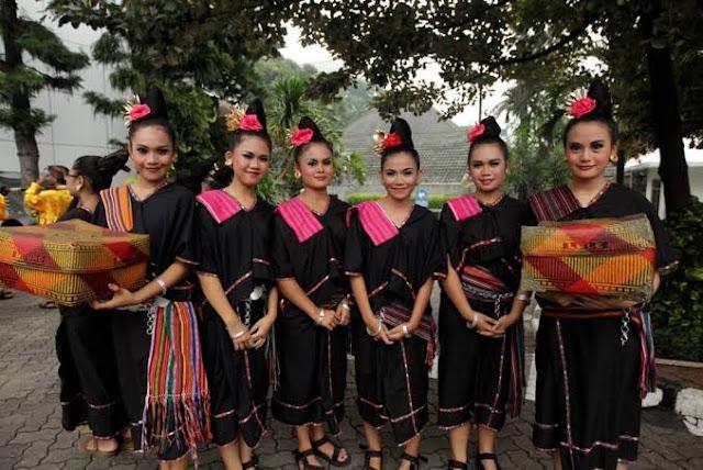tradisi-merarik-lombok