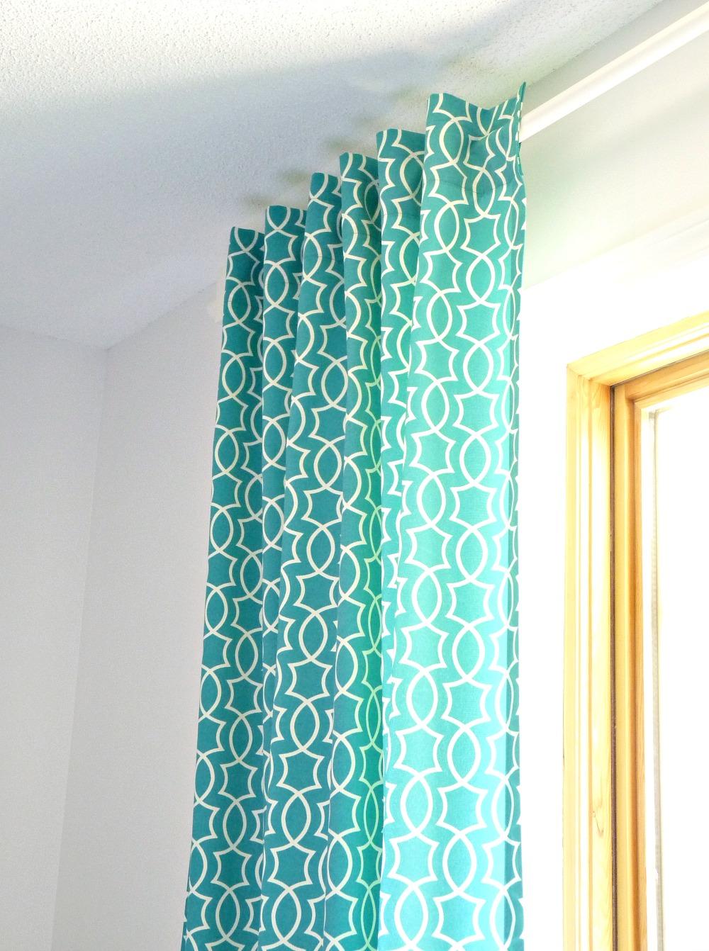 DIY Back Tab Curtains   @danslelakehouse