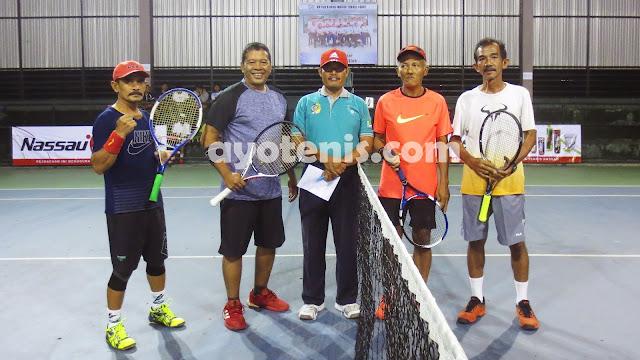 Kejuaraan Tenis Veteran Piala Bupati Tulungagung: Hari Prastijo Melenggang ke Perempat Final