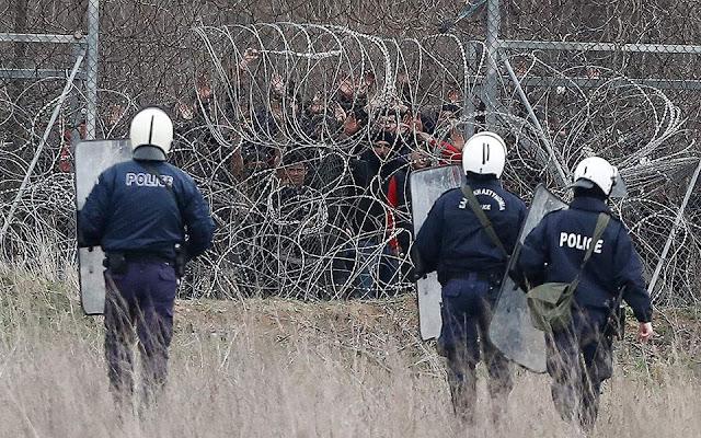 Eurasia Group: Παραμένει ο κίνδυνος μεγαλύτερης προσφυγικής κρίσης