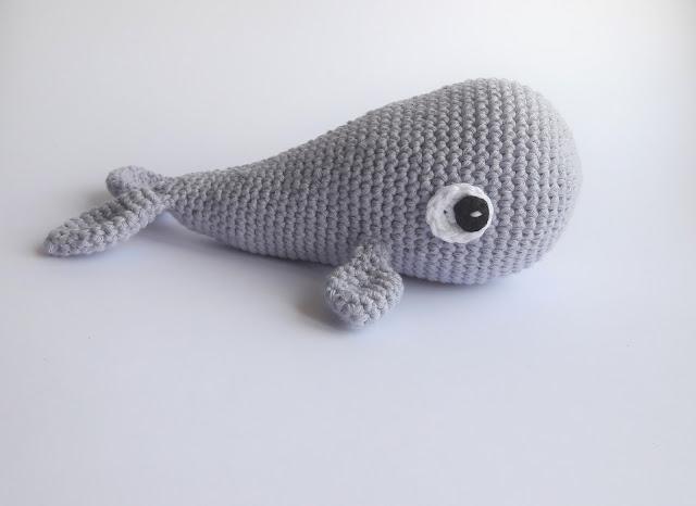 crochet , baleine