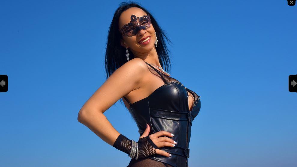 https://pvt.sexy/models/1lcg-m00nshine/?click_hash=85d139ede911451.25793884&type=member