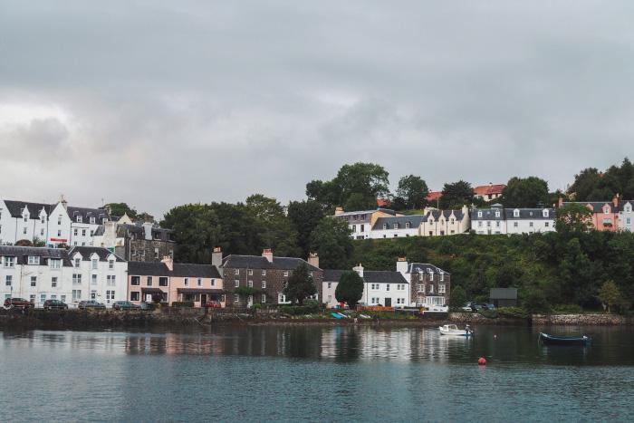 Port de la ville de Portree sur l'île de Skye en Ecosse