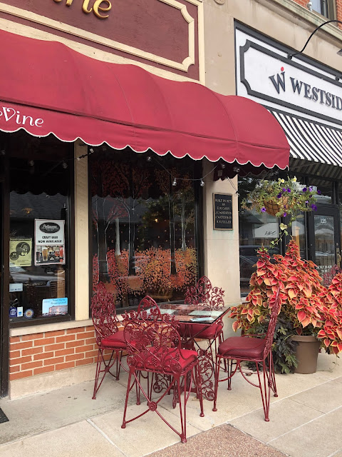 Fall colors enhance the windows of Tasting deVine!