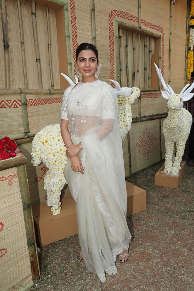 Actors Gallery: Samantha At Shakuntalam Movie Opening
