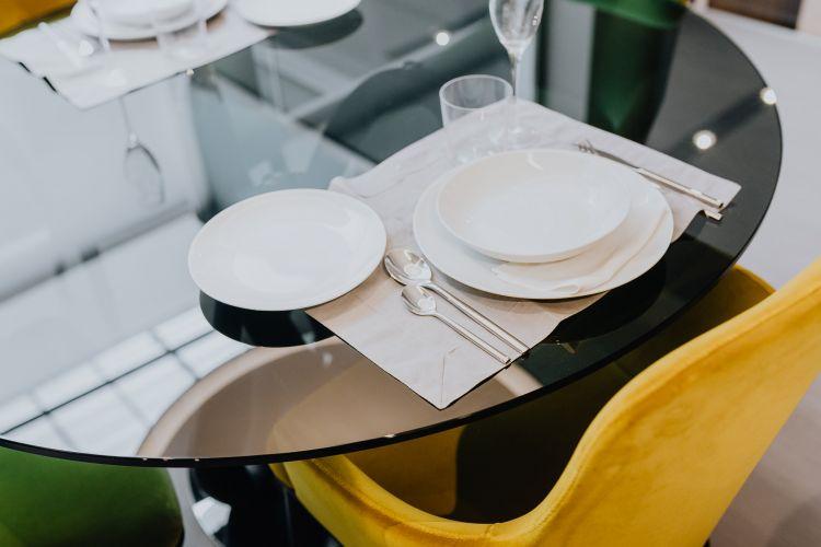 Okrągły szklany stolik