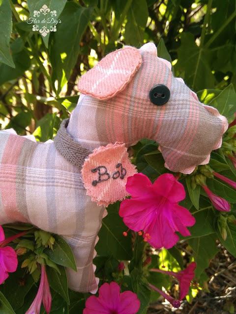 perrito-juguete-en-tela-flor-de-diys