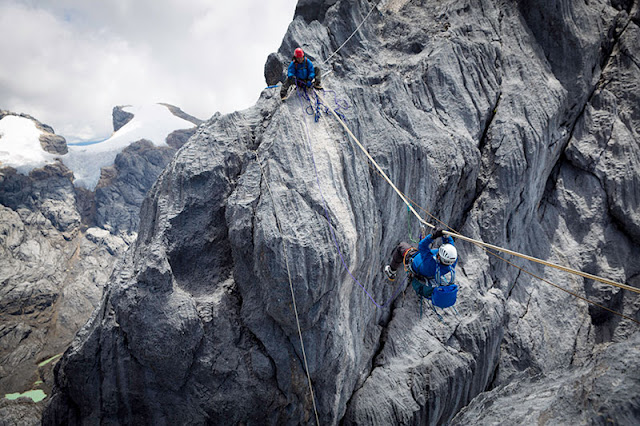 puncak gunung cartensz papua