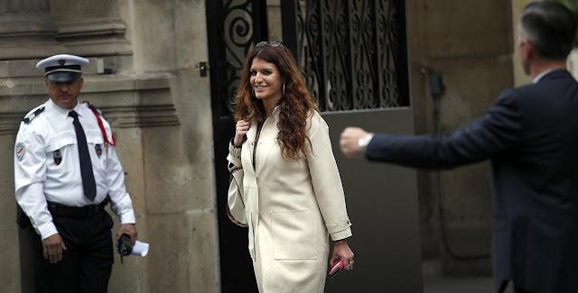 La Francia punirà gli uomini che molestano le donne per le strade