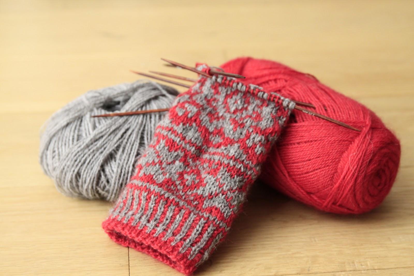 apprendre a tricoter des moufles. Black Bedroom Furniture Sets. Home Design Ideas
