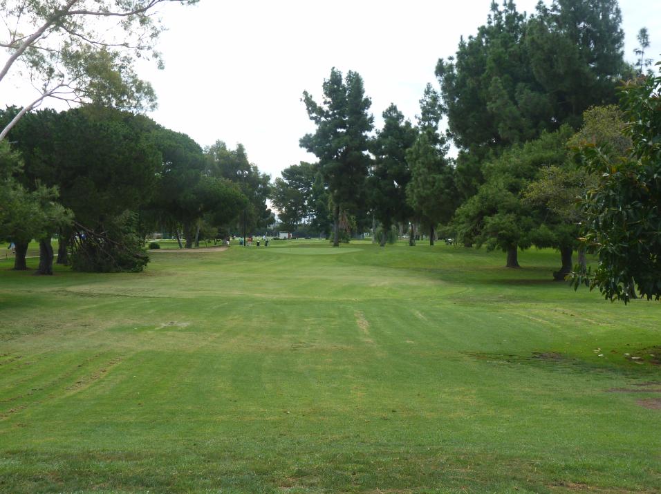 Heartwell Golf Course - Par 3 (Long Beach) - Richie's ...