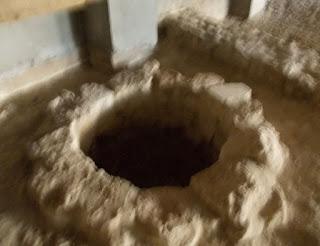 Fântână în complexul arheologic din incinta Hotelului Prezident, Mangalia.