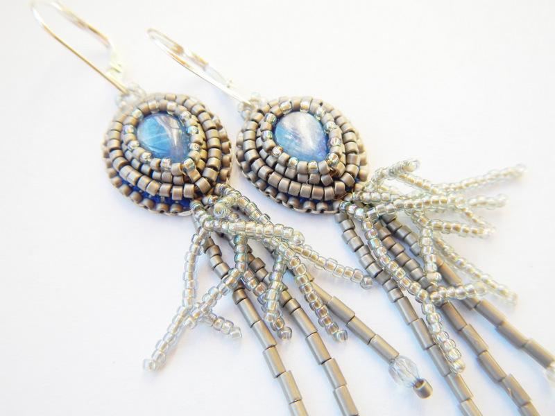 Kolczyki z kaynitem haft koralikowy