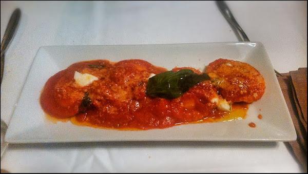 Girasoli de pasta fresca rellena de cuatro quesos y salsa caprese Restaurante Proverbium
