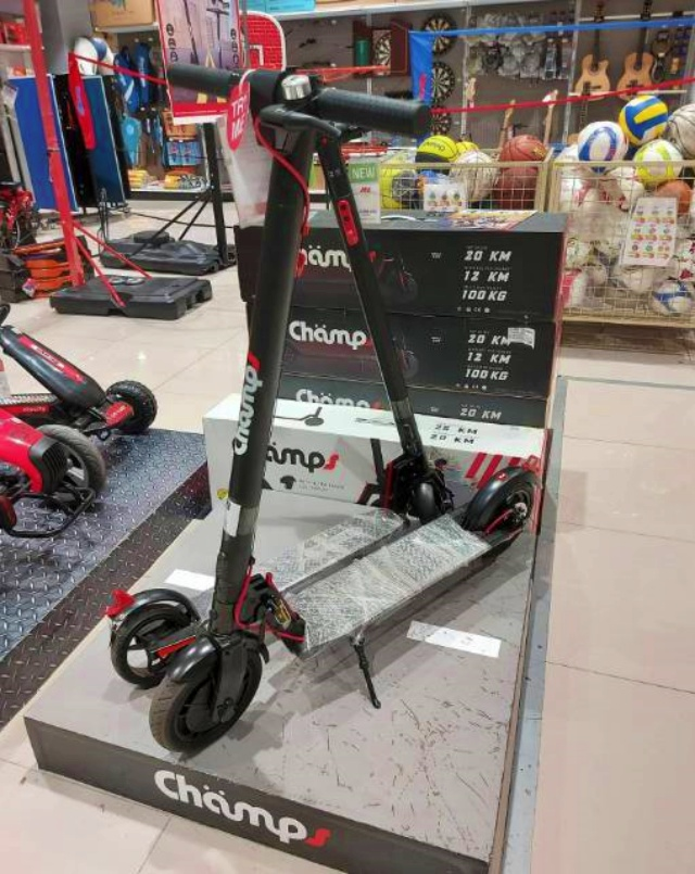 Champs Elektric Scooter