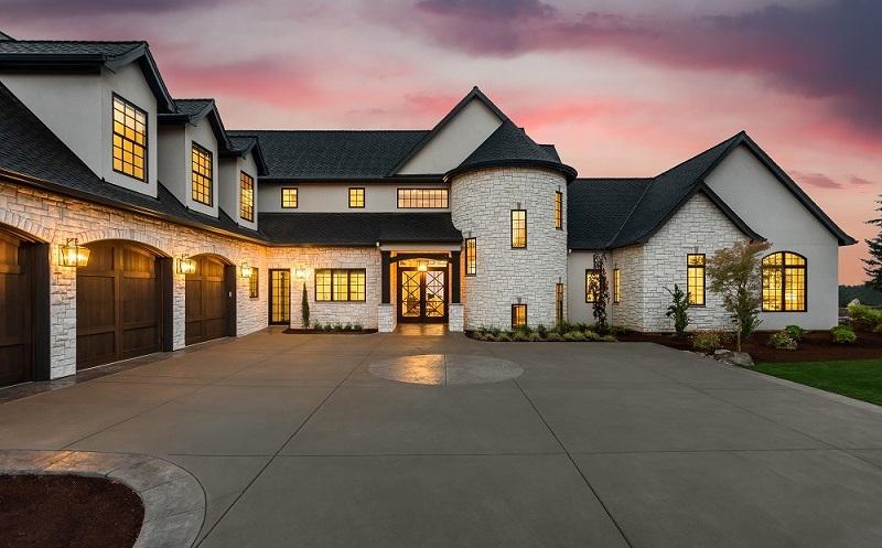 Luxuries Homes