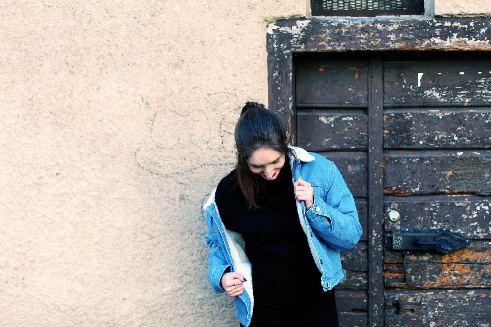 denim jacket zaful swiss fashion blogger spring trend taking pictures