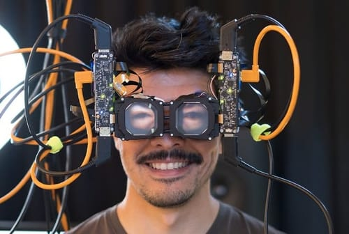 Facebook shows your eyes through VR glasses